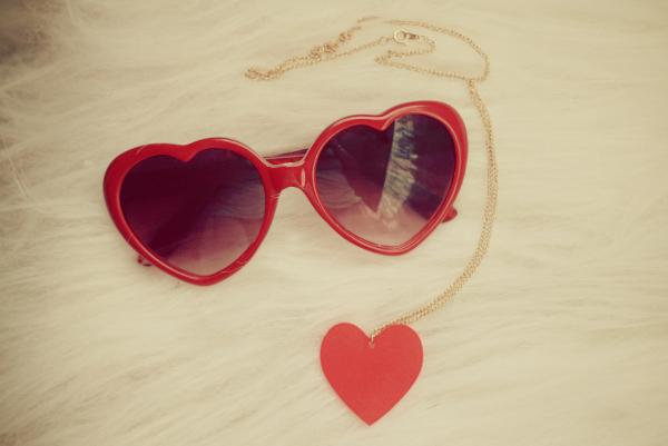 924db19471633 Os modelos de óculos de sol mais usados pelos famosos   Lentes e ...