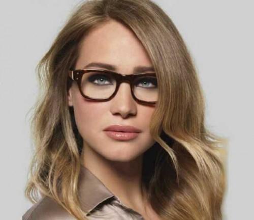 f0a284af1 Como escolher óculos de sol para rosto oval | Lentes e Óculos Viallure
