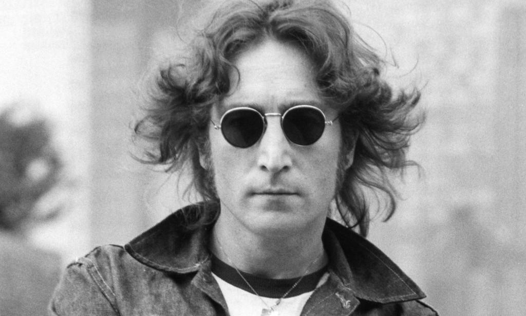 John Lennon e os óculos Ray Ban redondo   Lentes e Óculos Viallure 2758e5ee8ecf