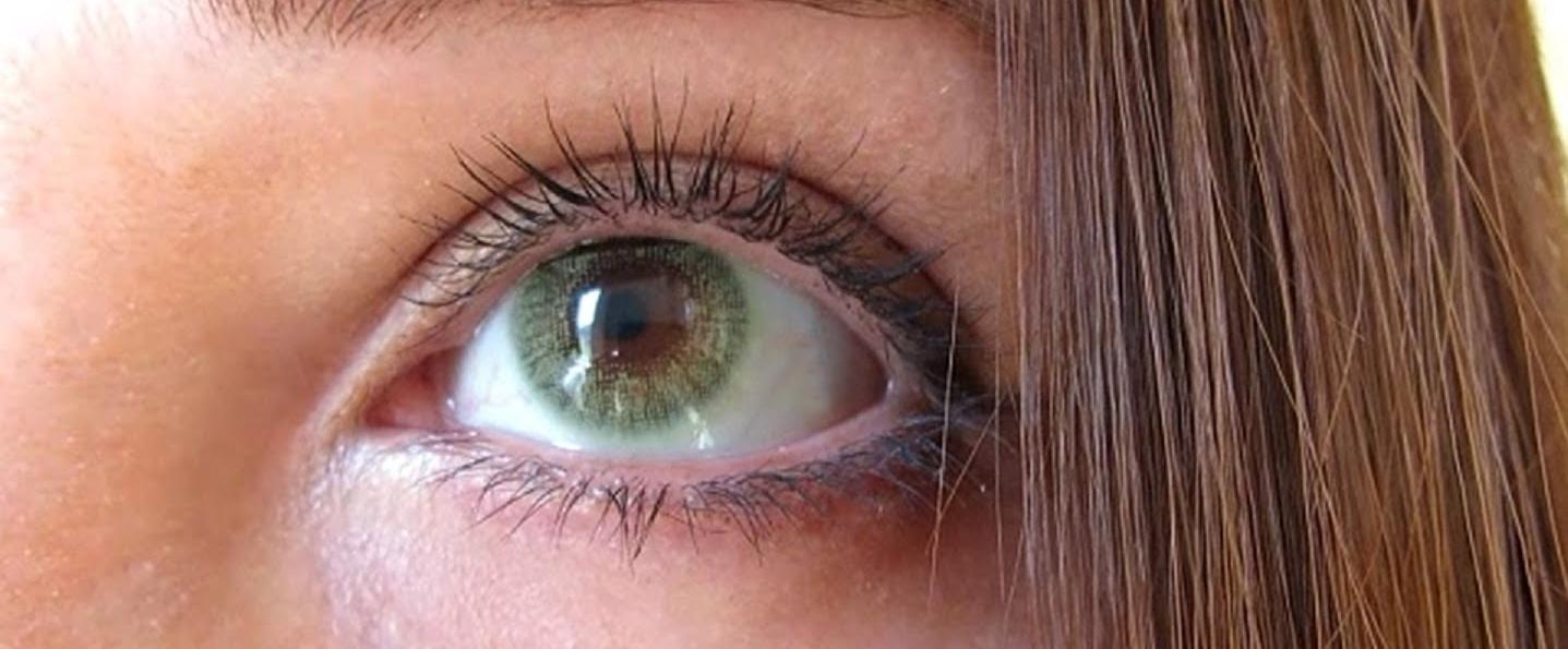 As mais belas lentes verdes para morenas   Lentes e Óculos Viallure 403450e5dc