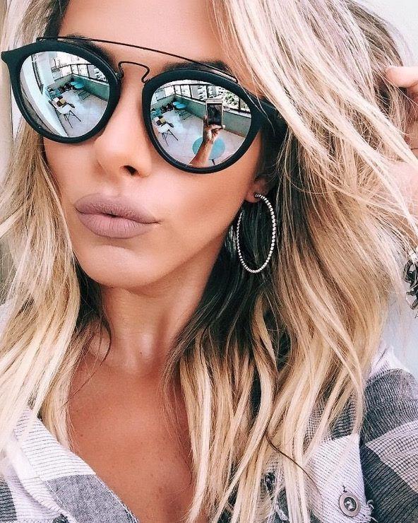 Lindos e modernos  conheça os óculos de sol queridinhos das mulheres    Lentes e Óculos 491cecc845